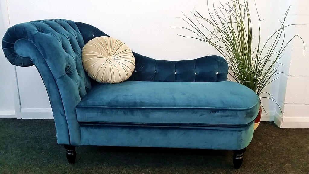 The interior outlet discount furniture warehouse 16 18 for Blue velvet chaise