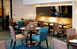 Menzies London Gatwick Chequers Restaurant