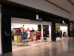 Shopfront spraying - Retail Mall Unit