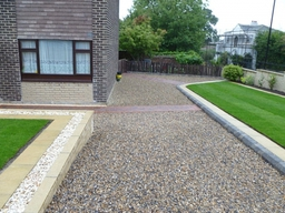 Finished Gravel Driveway and Garden Including Paving