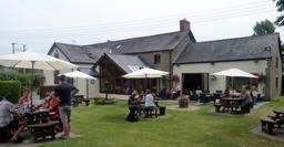 Alfresco dining in the beer garden