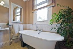 Contemp Bath