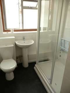 shower room for oaps