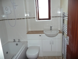Main Bathroom in great linford Milton Keynes