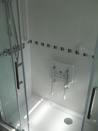 restricted mobility shower