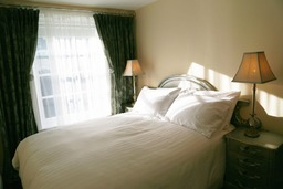 Derry, Accommodation, B&B, Bed & Breakfast,