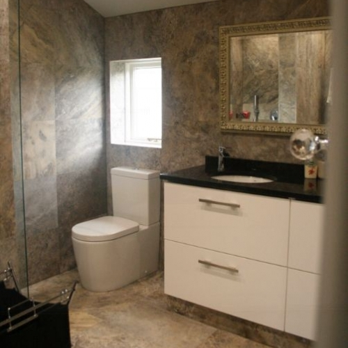 Just kitchens bathrooms ltd in 5 the crescent thornton for Bathrooms liverpool