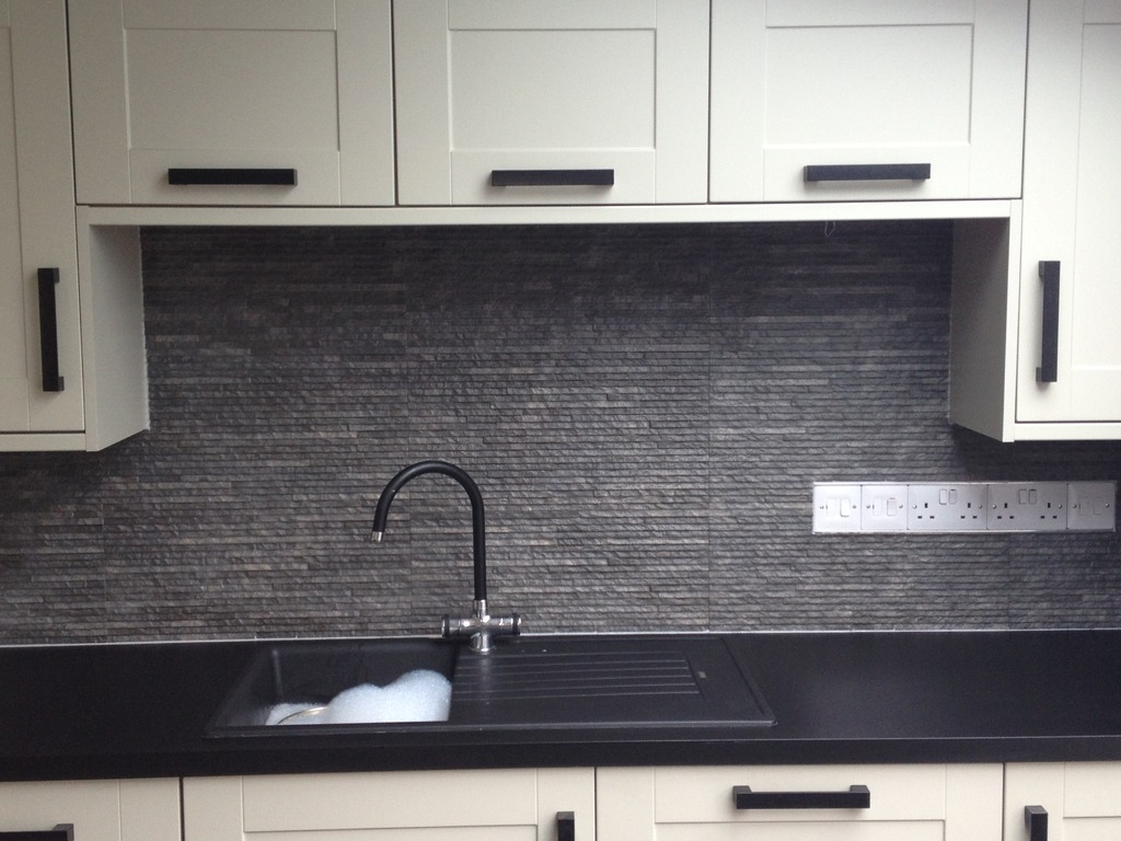 Cnc bespoke tiling service in 35 coniscliffe road for Best bathrooms hartlepool