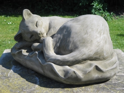 Snoozing Cat Statue 4