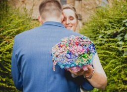 Brooch wedding bouquets