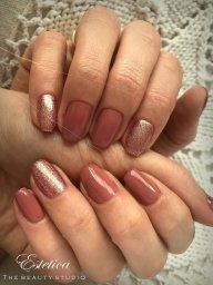 Gel polish (shellac) nails in Farnborough
