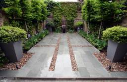 Courtyard garden design, Kensington