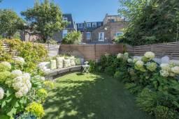 Small back garden design, Clapham