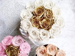 luxury florists cheshire | one year real roses