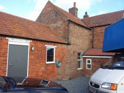 Removals Hull at a country cottage