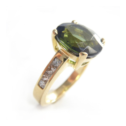 Green Tourmaline Diamonds cocktail ring 18K gold