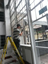 Large window glass replacement