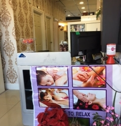 Welcome area at Dee Therapy and Salon