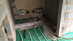 Multiple zones underfloor heating