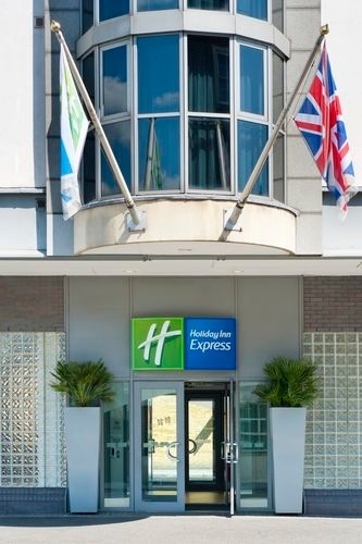 holiday inn express london city 275 old street london. Black Bedroom Furniture Sets. Home Design Ideas