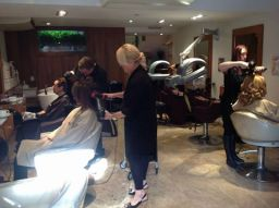 Hairdressers in Reigate