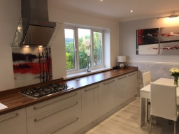 Printed glass kitchen splashback
