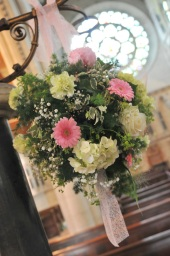 Wedding Flowers by Flower Design, Ripon.
