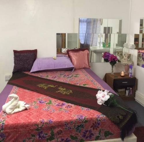 linly body to body thaimassage
