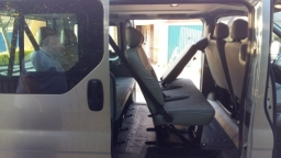 Trafic 8 seater