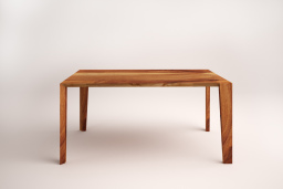 Maca table in solid walnut