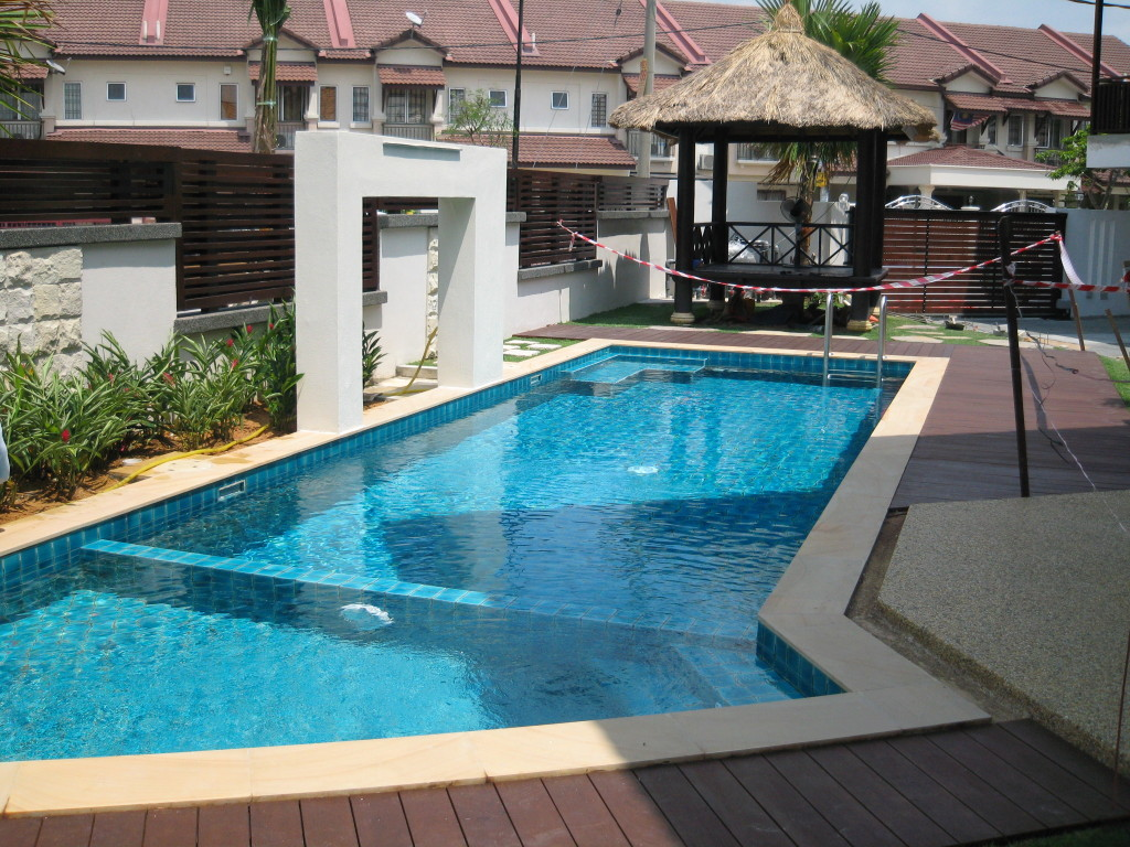 Racd maju koi pond swimming pool specialist 2 4 29 for Koi pond and swimming pool