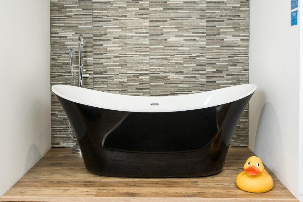 Leeds Clearance Bathrooms Ltd 2 Playfair Rd Leeds Ls10