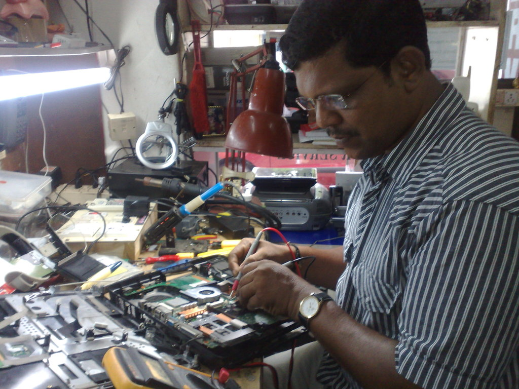 electrical and electronics installers and repairers fileus navy b623b1e302d71cbc3307495a3b3affc1 electronic service technicianhtml