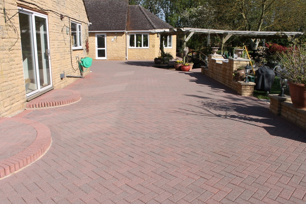 Eco driveway cleaning 25 dunkeld place hamilton for Driveway cleaning companies