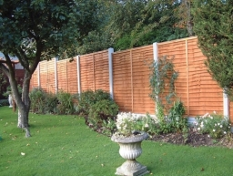Fencing Contractors Swindon