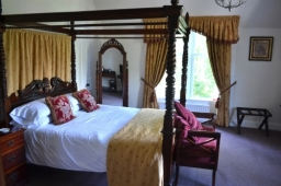 Four Poster Room over looking the mountains