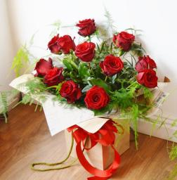 Valentines Flowers for hand delivery to Bolton' Wigan & Chorley