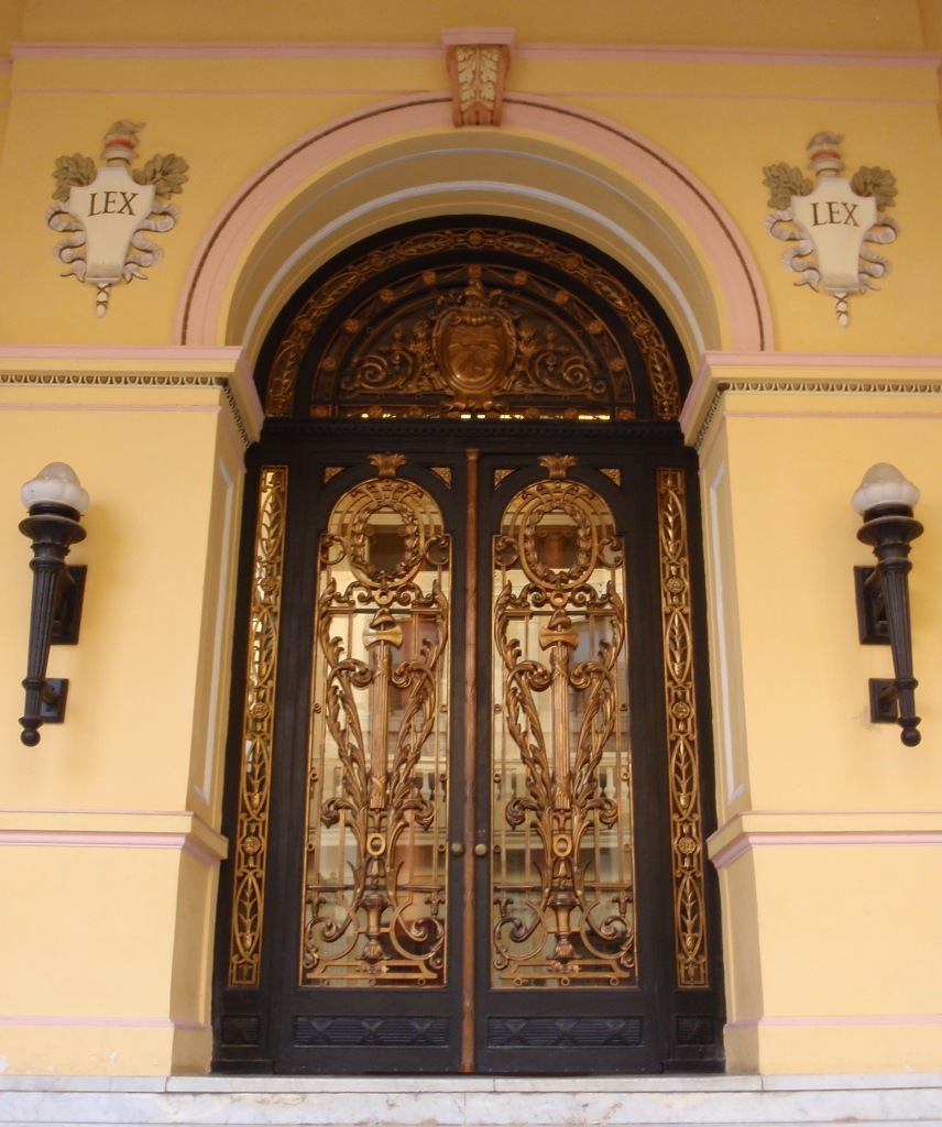 Ideal windows and doors 206 1865 leslie st toronto on for Ideal windows and doors
