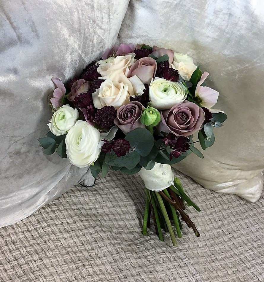 Poppies florist in 124 huish yeovil somerset ba20 1bq vintage bridal bouquet izmirmasajfo Images