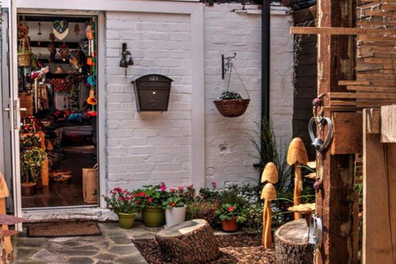 Knitting Queens Road Leicester : Prettiez in b queens road leicester le tt