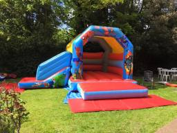 18 x 15ft Superhero Bounce 'n' Slide Bouncy Castle