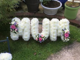 MUM funeral tribute wreath special