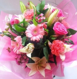 Bouquet Stunning 25 00