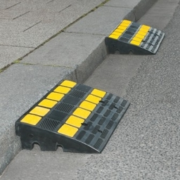Traffic Line Kerb Ramps Rubber in 2 heights
