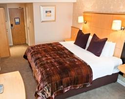Menzies Cambridge New Standard Bedroom