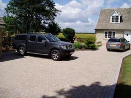 Block paved driveway in Gloucestershire by Wiltshire based Acer Paving & Landscaping