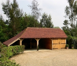 Oak Framed Building - www.oakgarages.com