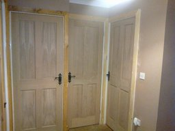 internal doors and architraves