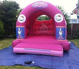 HELLO KITTY BOUNCY CASTLE 12 X 14FT This Bouncy Castle is suitable for Children up to 15 years of age only The Castle can hold 6 to 8 users at a time There is a sewn in rain cover which is suitable for light rain The required space for this Bouncy Castle