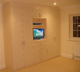 Fitted Wardrobe With TV Unit